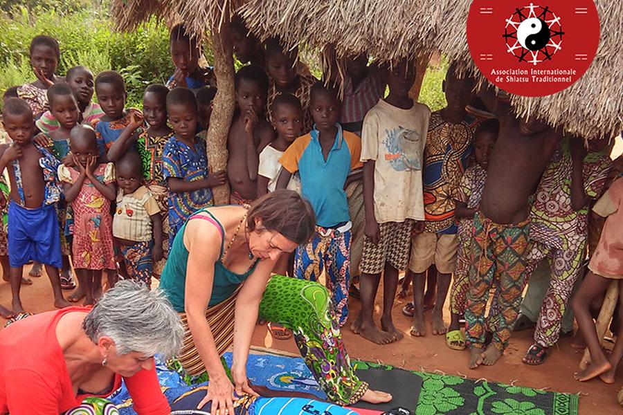 Mission Shiatsu au Bénin - Association Internationale de Shiatsu Traditionnel  © image AIST