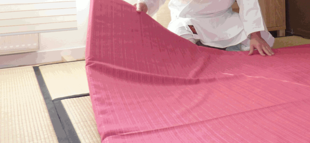 Le tatami conçu pour le shiatsu et les massages traditionnels Léger, transportable, moelleux et pratique 10% de remise immédiate