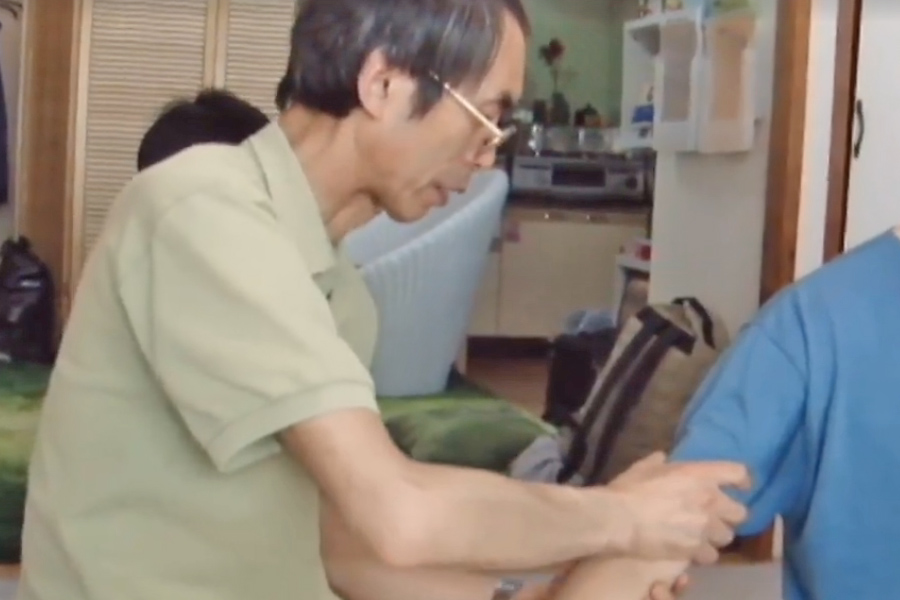 Démonstration vidéo de Nobuyuki FUJISAKI - Fujisaki Sensei Président de la Zen Shiatsu